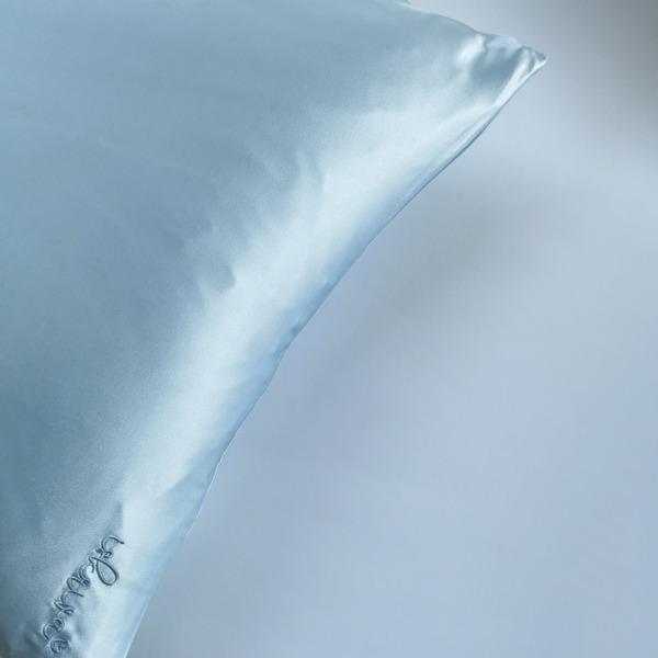 sofia svetlo modra svilena prevleka za vzglavnik